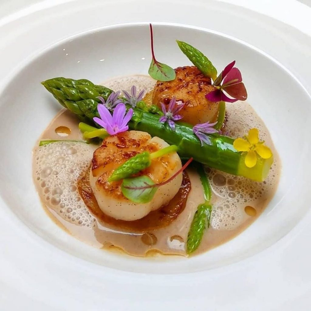 Seared Scallops With Vanilla Butter Sauce